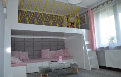 Zabudowa łóżko pokój na piętrze