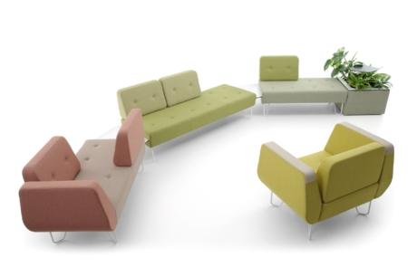 Bogate kolorystycznie sofy