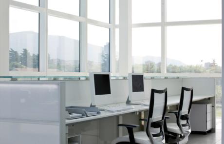 Nowoczesne biuro delikatne kolory