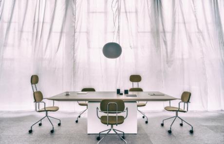 Stół konferencyjny Gravity do biura urzędu