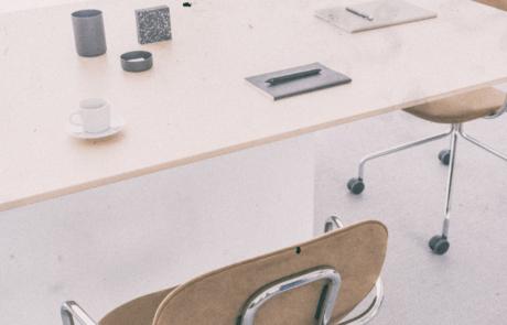 Stół konferencyjny na małe duże spotkania nowoczesny