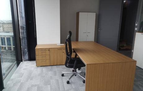 Nowoczesne biurko gabinetowe prezesa zarządu