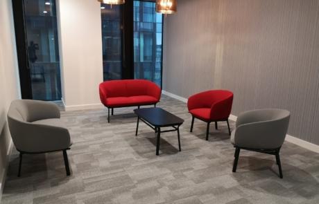 Siedziska sofy wykładziny-miejsce na nieoficjalne spotkanie