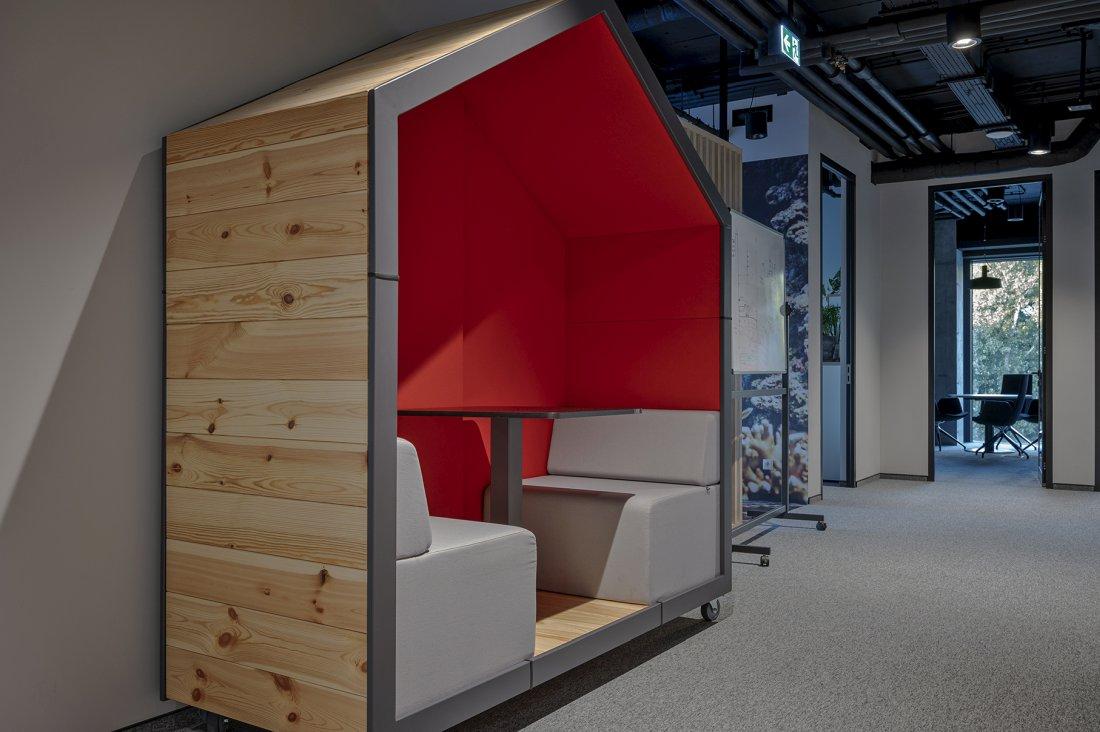 Nowoczesne meble, wyposażenie kompleskowe biura